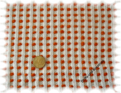 Pomponstrick  natur ecru orange Strickstoff