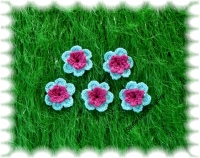 Häkelblumen  crochet flower light blue, hot pink
